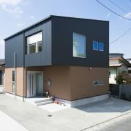 尾ノ上の家 O House